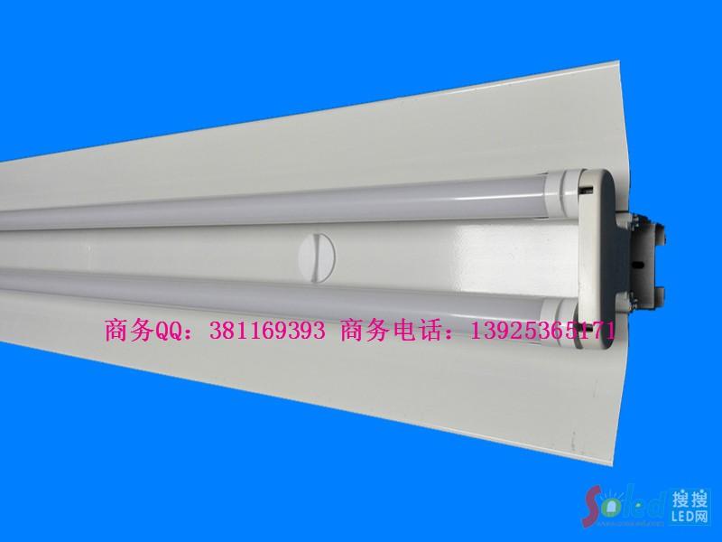 LED双管线槽灯